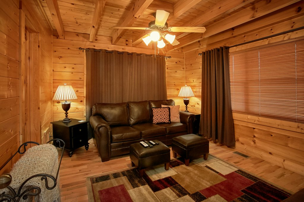 Photo of a Pigeon Forge Cabin named Sweet Retreat - This is the fifth photo in the set.