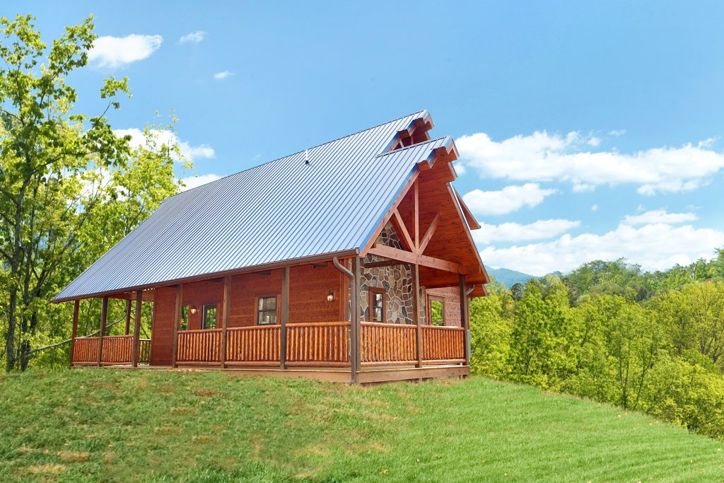 Photo of a Gatlinburg Cabin named Diamond Mine - This is the first photo in the set.