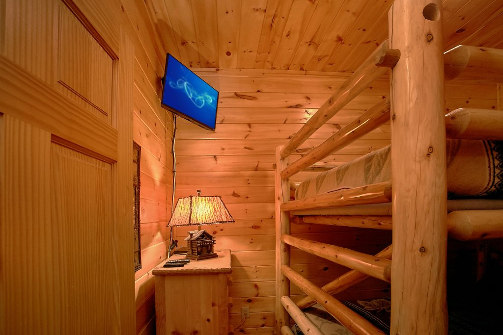 Photo of a Gatlinburg Cabin named Four Seasons - This is the twenty-second photo in the set.