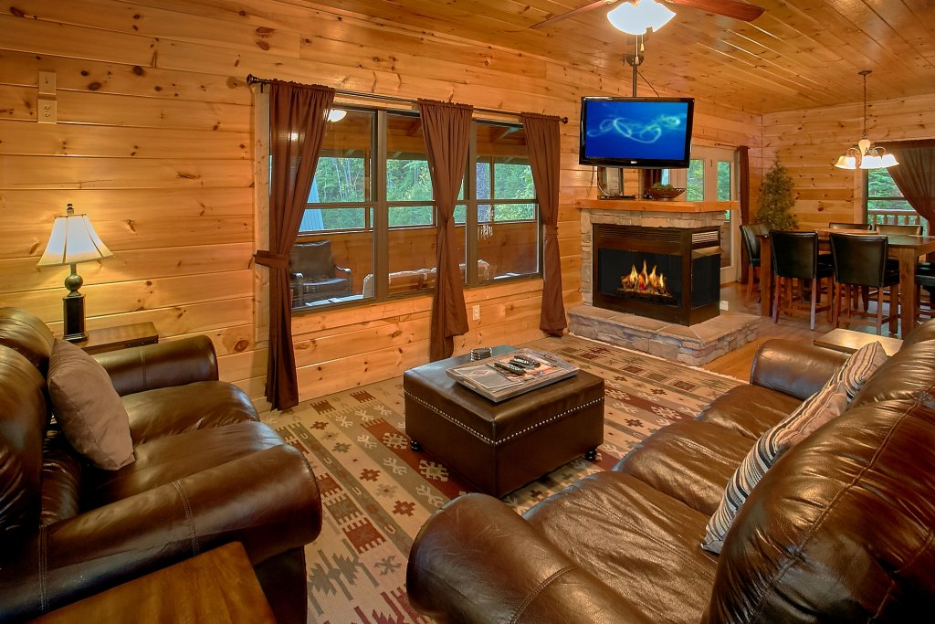 Photo of a Gatlinburg Cabin named Four Seasons - This is the twelfth photo in the set.