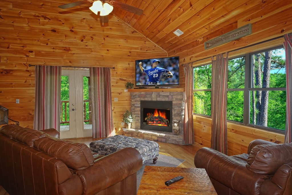Photo of a Gatlinburg Cabin named Four Seasons - This is the eleventh photo in the set.