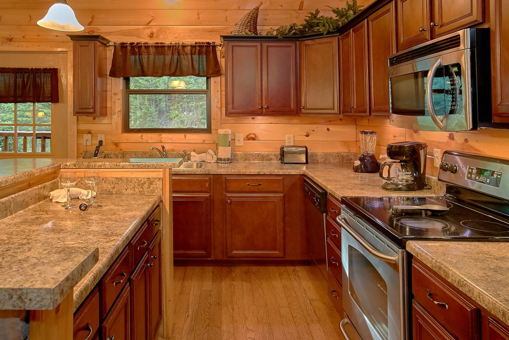 Photo of a Gatlinburg Cabin named Four Seasons - This is the fourteenth photo in the set.