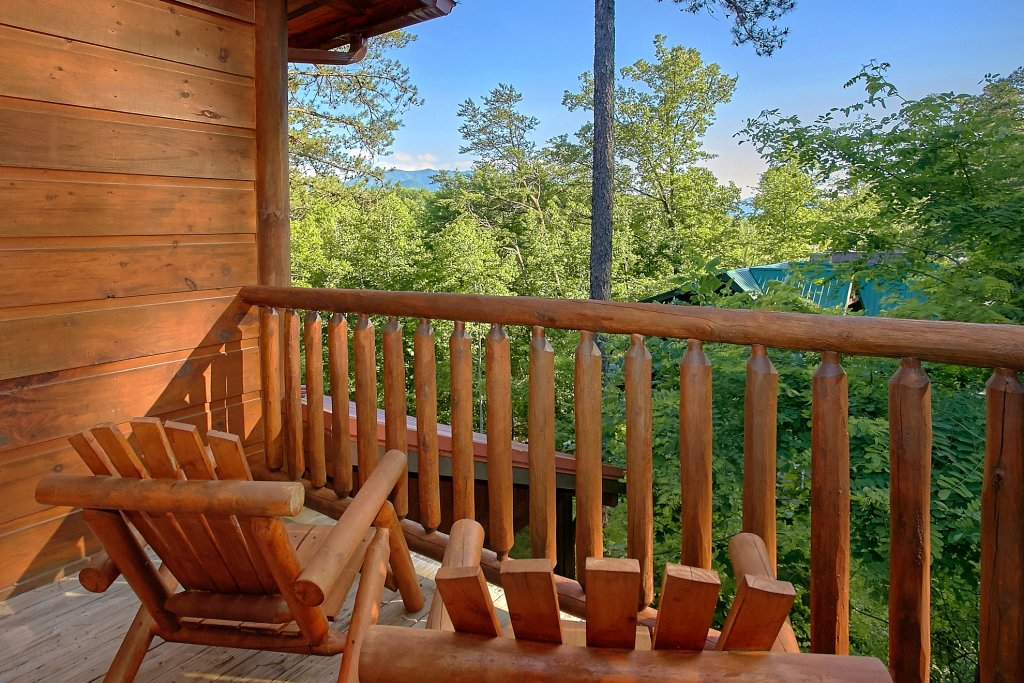 Photo of a Gatlinburg Cabin named Four Seasons - This is the seventh photo in the set.