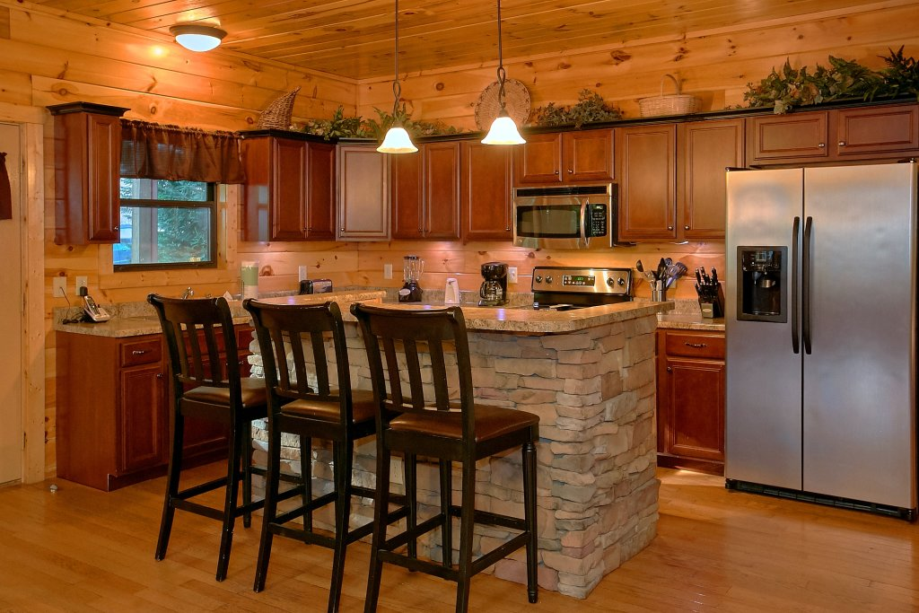 Photo of a Gatlinburg Cabin named Four Seasons - This is the sixteenth photo in the set.