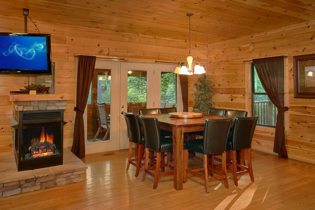 Photo of a Gatlinburg Cabin named Four Seasons - This is the fifteenth photo in the set.