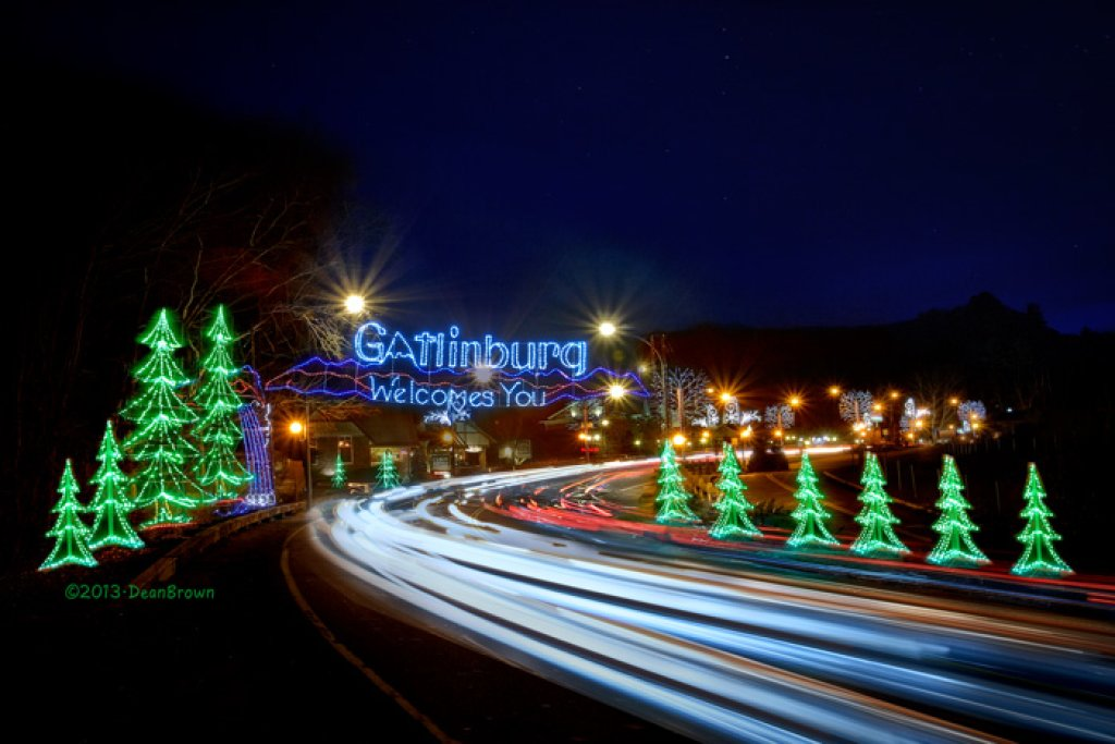 Photo of a Gatlinburg Cabin named Whispering Creek - This is the twenty-first photo in the set.