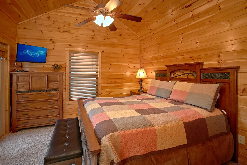 Photo of a Gatlinburg Cabin named Four Seasons - This is the twentieth photo in the set.