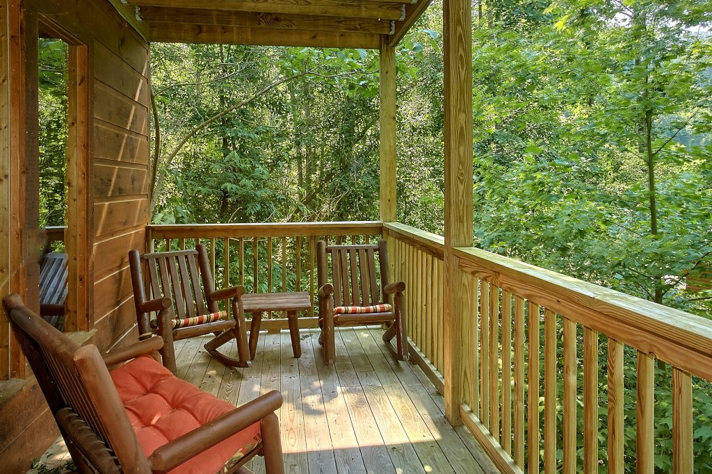Photo of a Gatlinburg Cabin named Romance Inn - This is the twenty-sixth photo in the set.