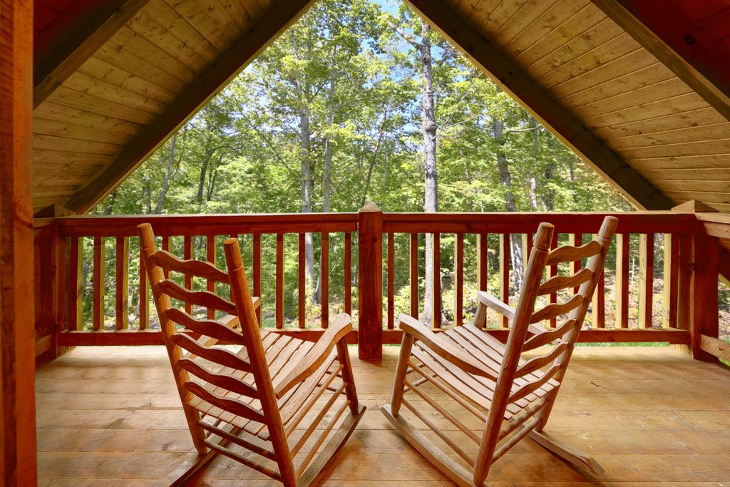 Photo of a Gatlinburg Cabin named Buckhaven - This is the second photo in the set.