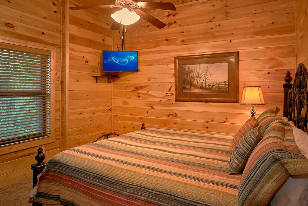 Photo of a Gatlinburg Cabin named Four Seasons - This is the eighteenth photo in the set.