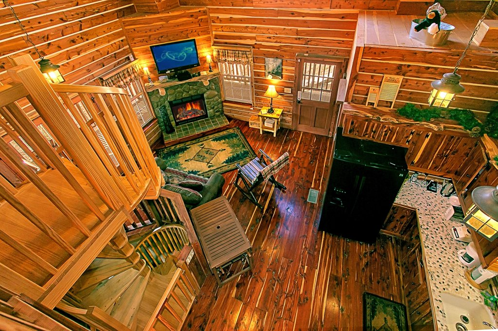Photo of a Gatlinburg Cabin named Deer To My Heart - This is the fourth photo in the set.
