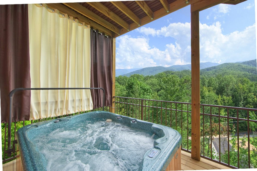 Photo of a Gatlinburg Cabin named Picture Perfect - This is the third photo in the set.