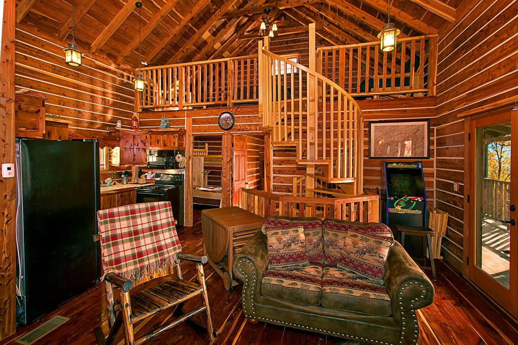 Photo of a Gatlinburg Cabin named Deer To My Heart - This is the third photo in the set.
