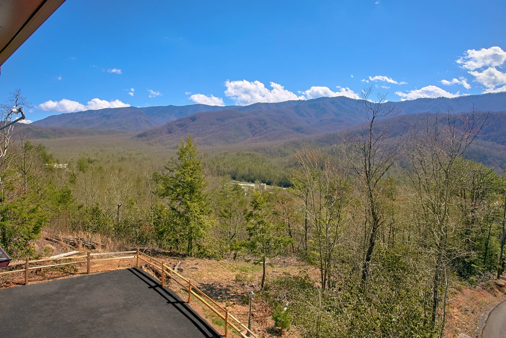 Photo of a Gatlinburg Cabin named Livin It Up - This is the twelfth photo in the set.