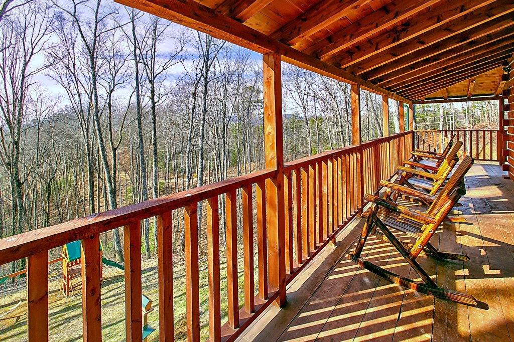 Photo of a Gatlinburg Cabin named Deer To My Heart - This is the second photo in the set.