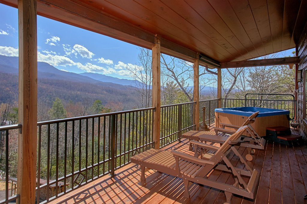 Photo of a Gatlinburg Cabin named Livin It Up - This is the fourth photo in the set.