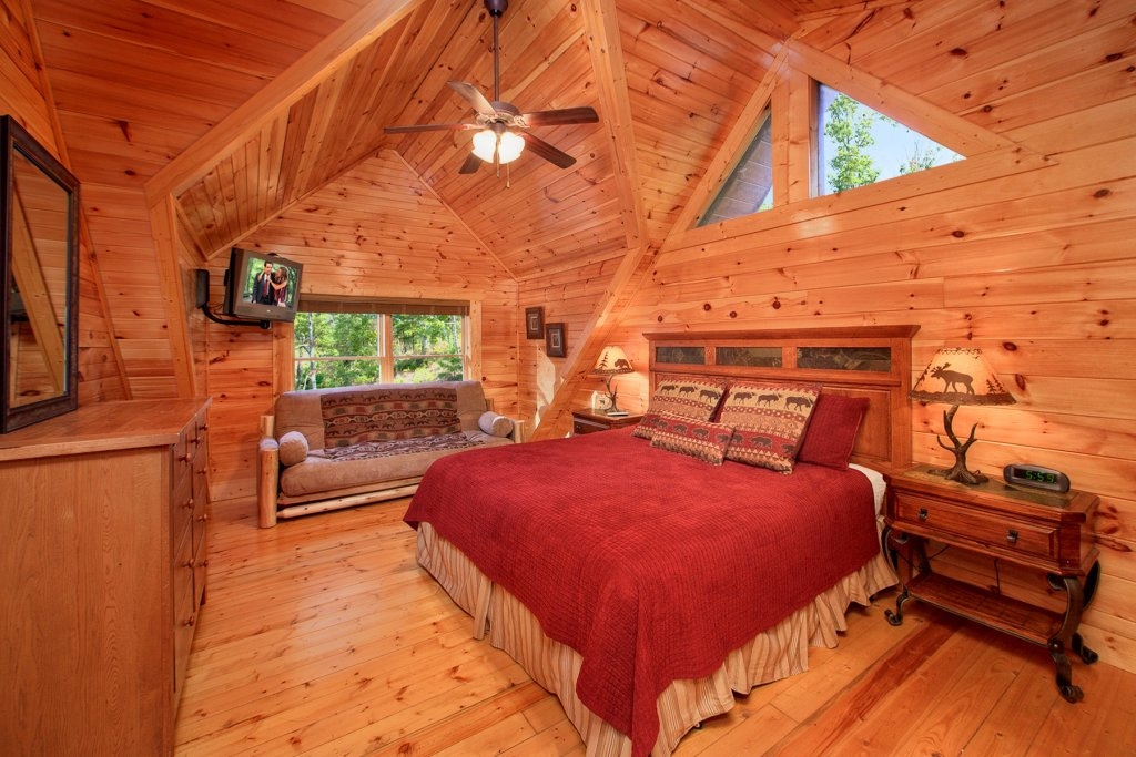 Photo of a Gatlinburg Cabin named A Touch Of Class - This is the ninth photo in the set.