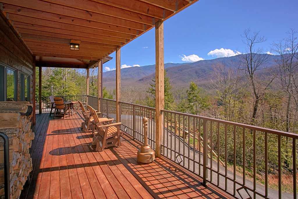 Photo of a Gatlinburg Cabin named Livin It Up - This is the sixth photo in the set.