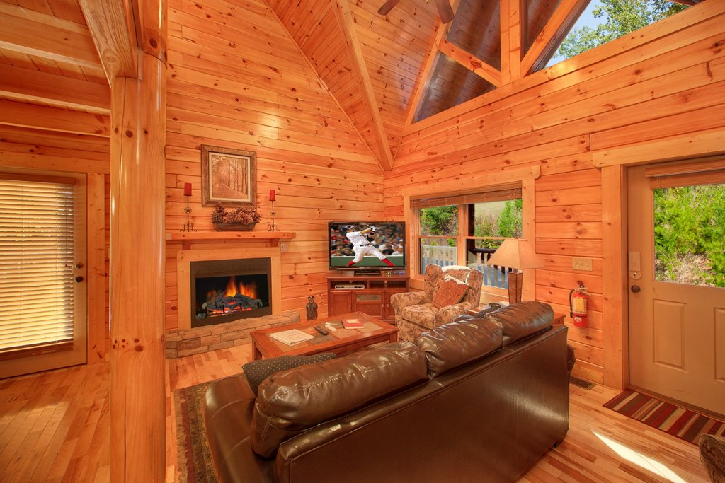 Photo of a Gatlinburg Cabin named A Touch Of Class - This is the fifth photo in the set.