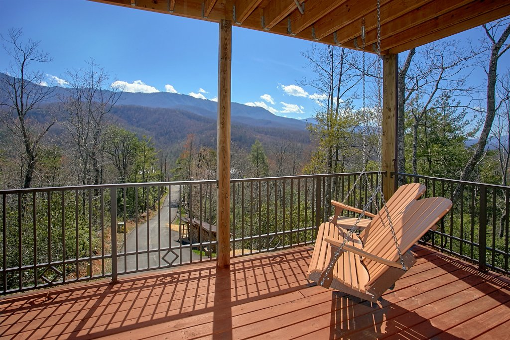 Photo of a Gatlinburg Cabin named Livin It Up - This is the eighth photo in the set.