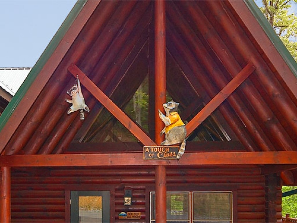 Photo of a Gatlinburg Cabin named A Touch Of Class - This is the first photo in the set.