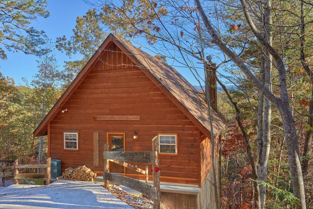 Photo of a Gatlinburg Cabin named Moonshiners View - This is the twentieth photo in the set.
