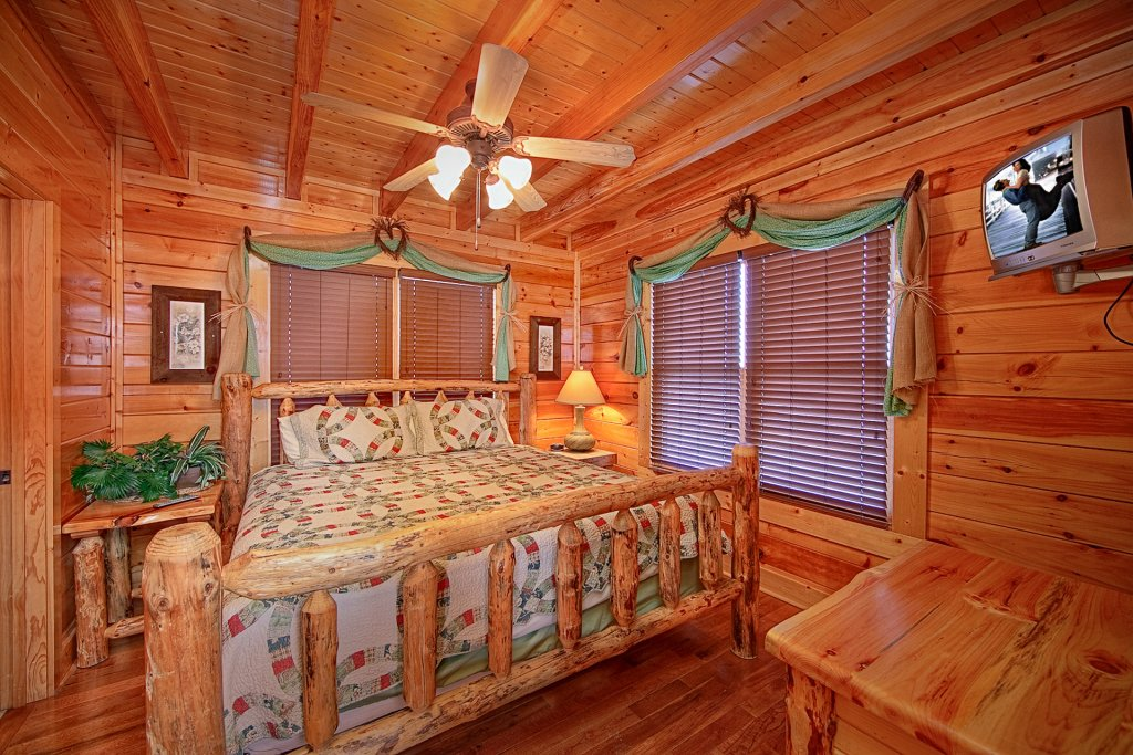 Photo of a Pigeon Forge Cabin named Smoky Sunrise (#53) - This is the ninth photo in the set.