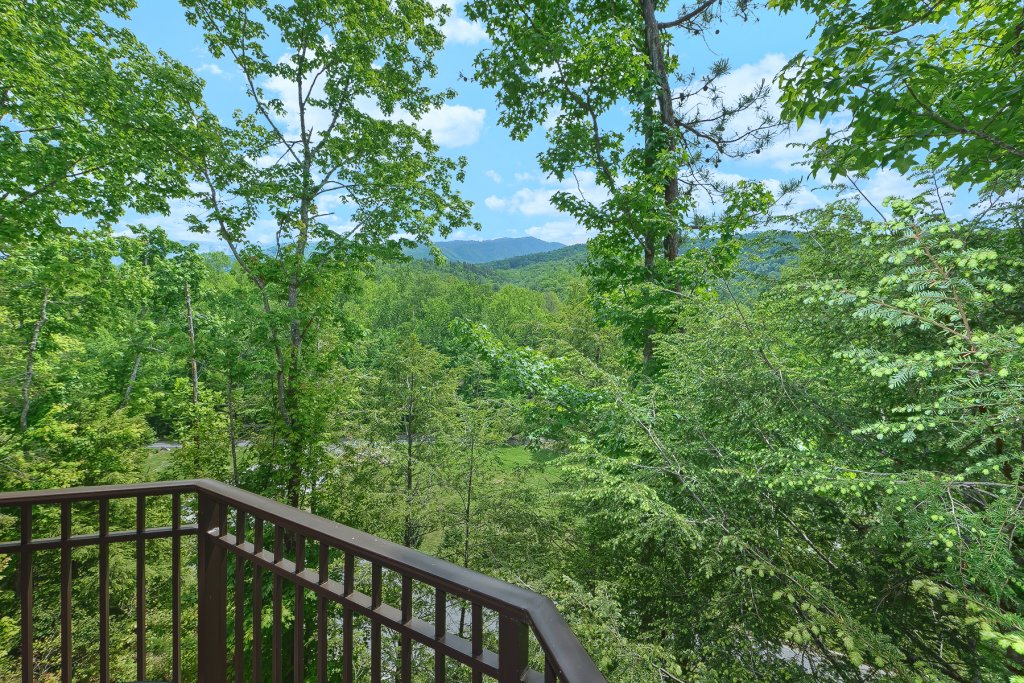 Photo of a Gatlinburg Cabin named Mountain Hideaway - This is the sixth photo in the set.