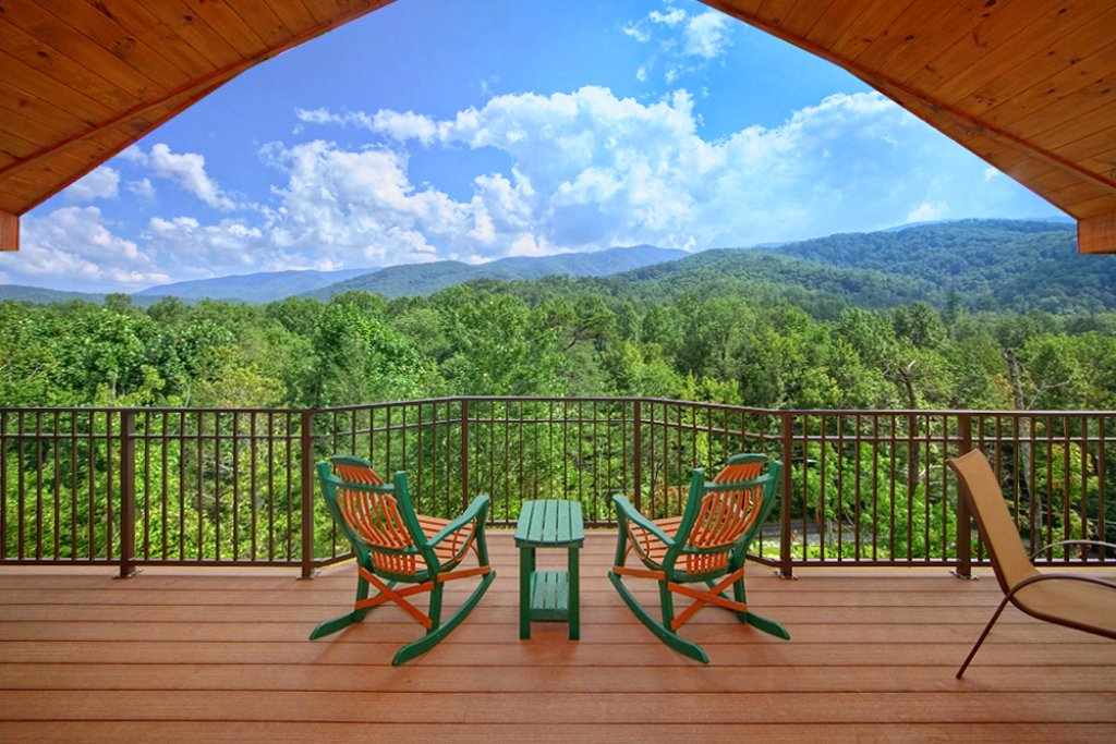 Photo of a Gatlinburg Cabin named Mountain Hideaway - This is the second photo in the set.