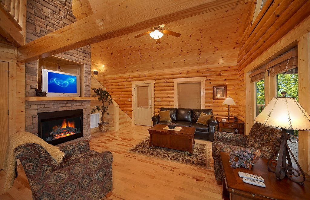 Photo of a Gatlinburg Cabin named Rascals Retreat - This is the fifth photo in the set.