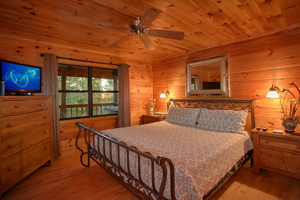 Photo of a Gatlinburg Cabin named Hawks Vue - This is the seventeenth photo in the set.