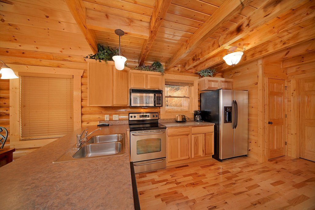 Photo of a Gatlinburg Cabin named Rascals Retreat - This is the seventh photo in the set.