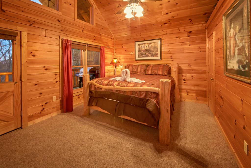 Photo of a Gatlinburg Cabin named Splish Splash - This is the ninth photo in the set.