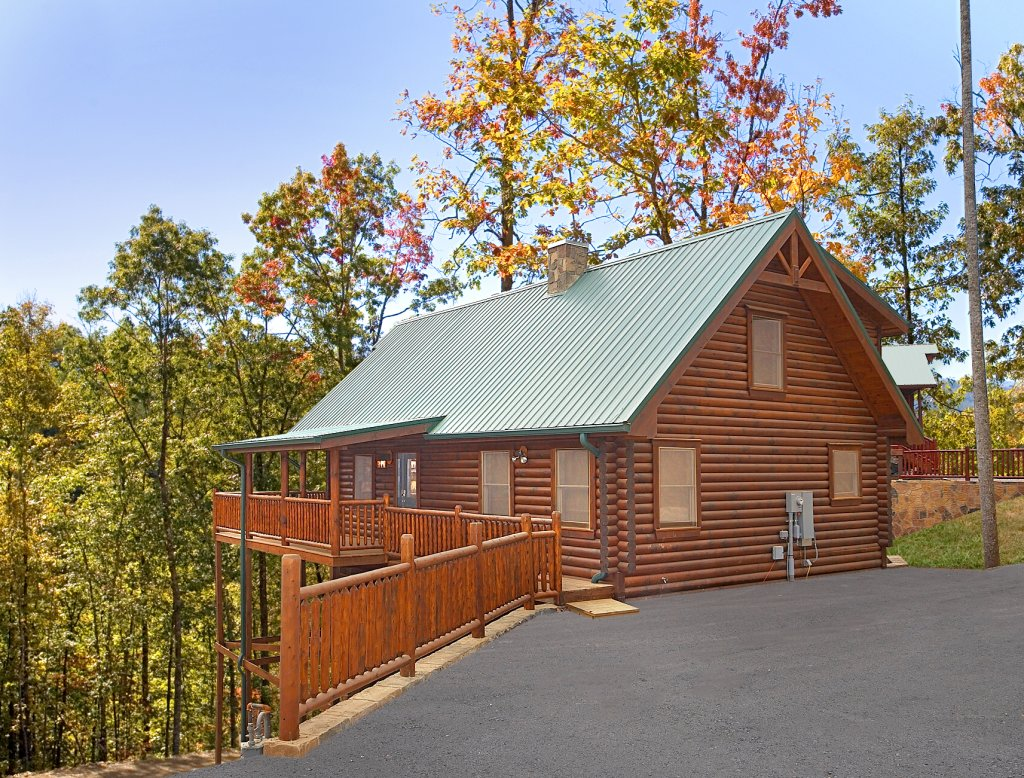 Photo of a Gatlinburg Cabin named Rascals Retreat - This is the tenth photo in the set.