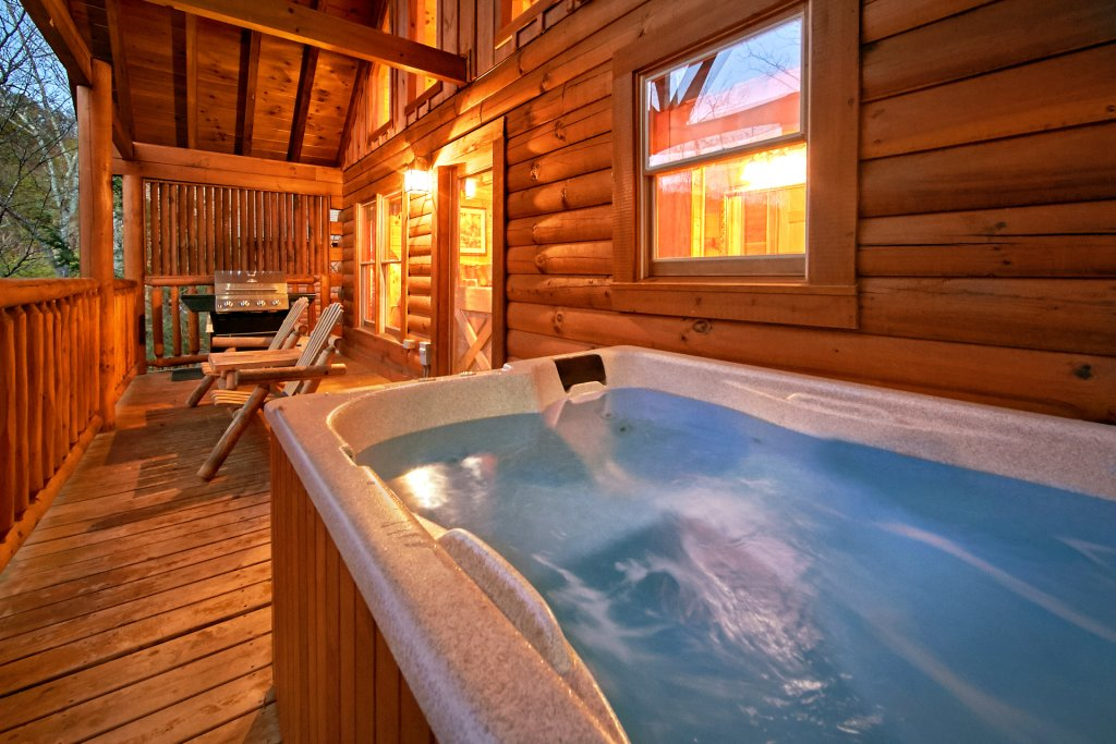 Photo of a Gatlinburg Cabin named Splish Splash - This is the fourth photo in the set.