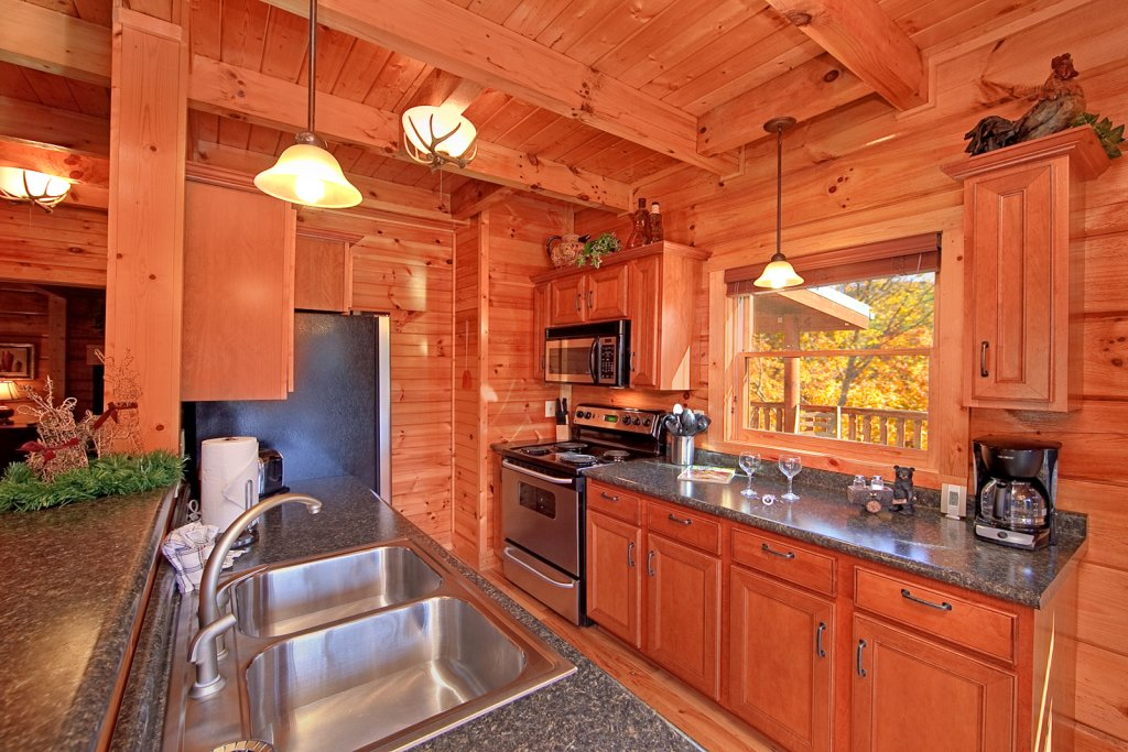 Photo of a Gatlinburg Cabin named Mountain Laurel - This is the seventh photo in the set.