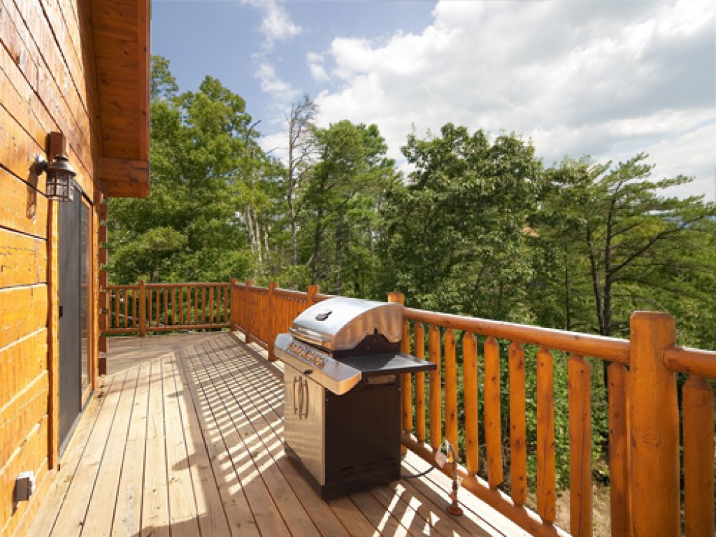 Photo of a Gatlinburg Cabin named Mountain Laurel - This is the third photo in the set.