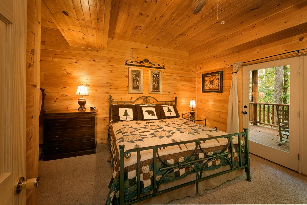 Photo of a Gatlinburg Cabin named Mountain Laurel - This is the fifteenth photo in the set.