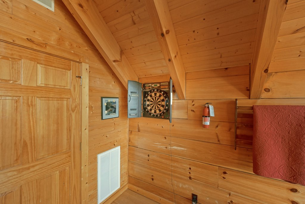 Photo of a Gatlinburg Cabin named Moonshiners Legacy - This is the seventeenth photo in the set.