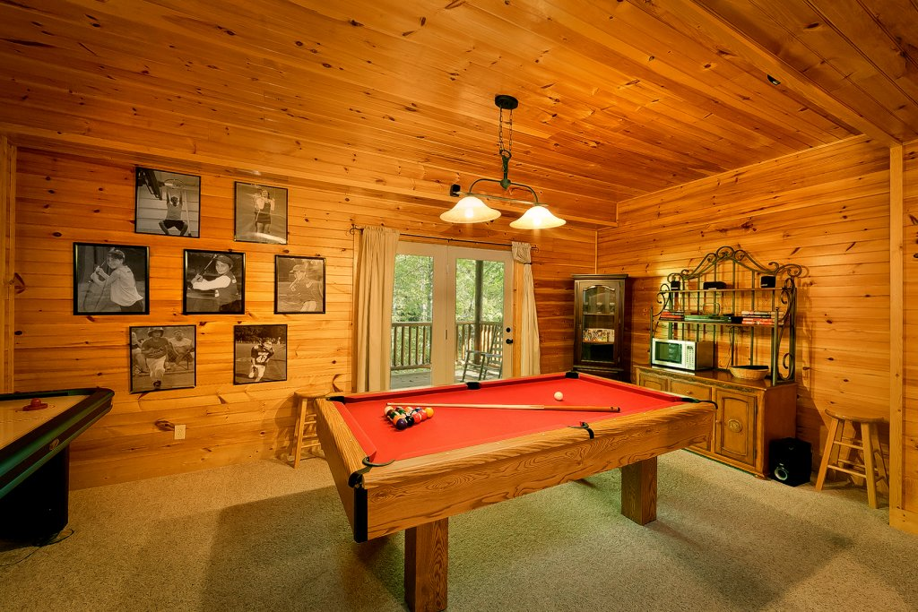 Photo of a Gatlinburg Cabin named Mountain Laurel - This is the fourth photo in the set.