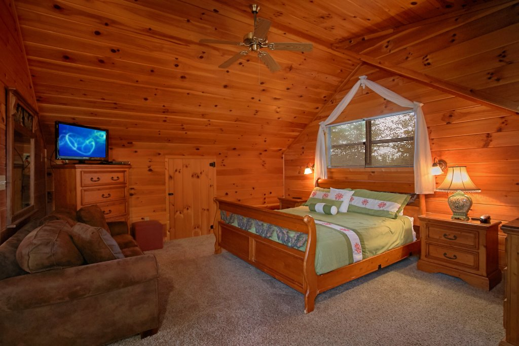 Photo of a Gatlinburg Cabin named Hawks Vue - This is the sixteenth photo in the set.