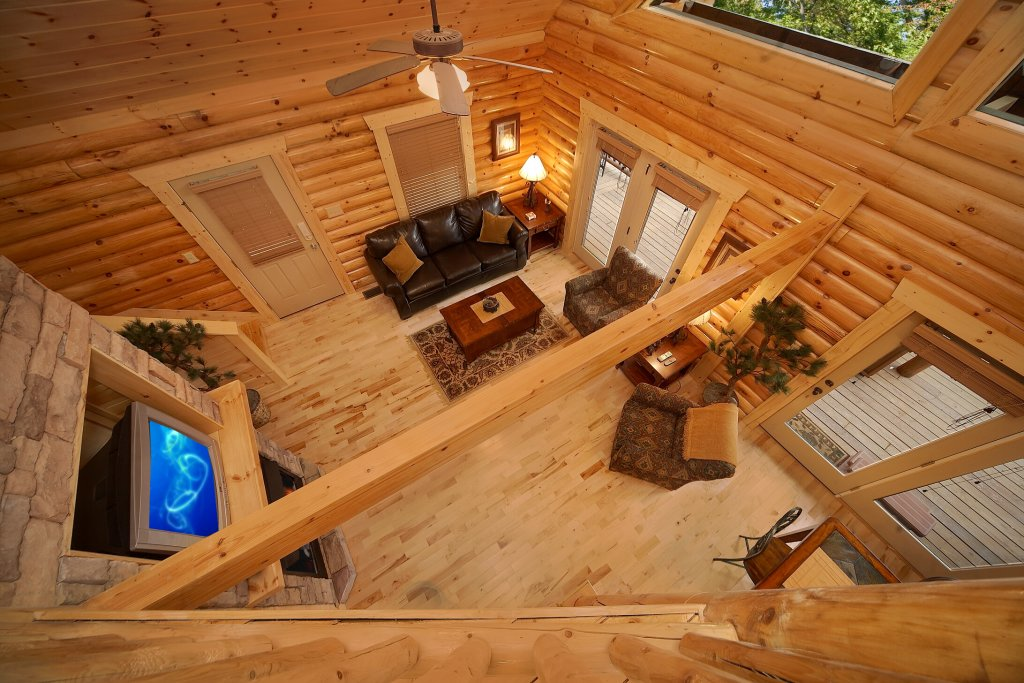 Photo of a Gatlinburg Cabin named Rascals Retreat - This is the fourth photo in the set.