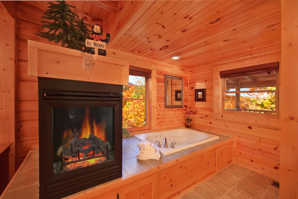 Photo of a Gatlinburg Cabin named Mountain Laurel - This is the fourteenth photo in the set.