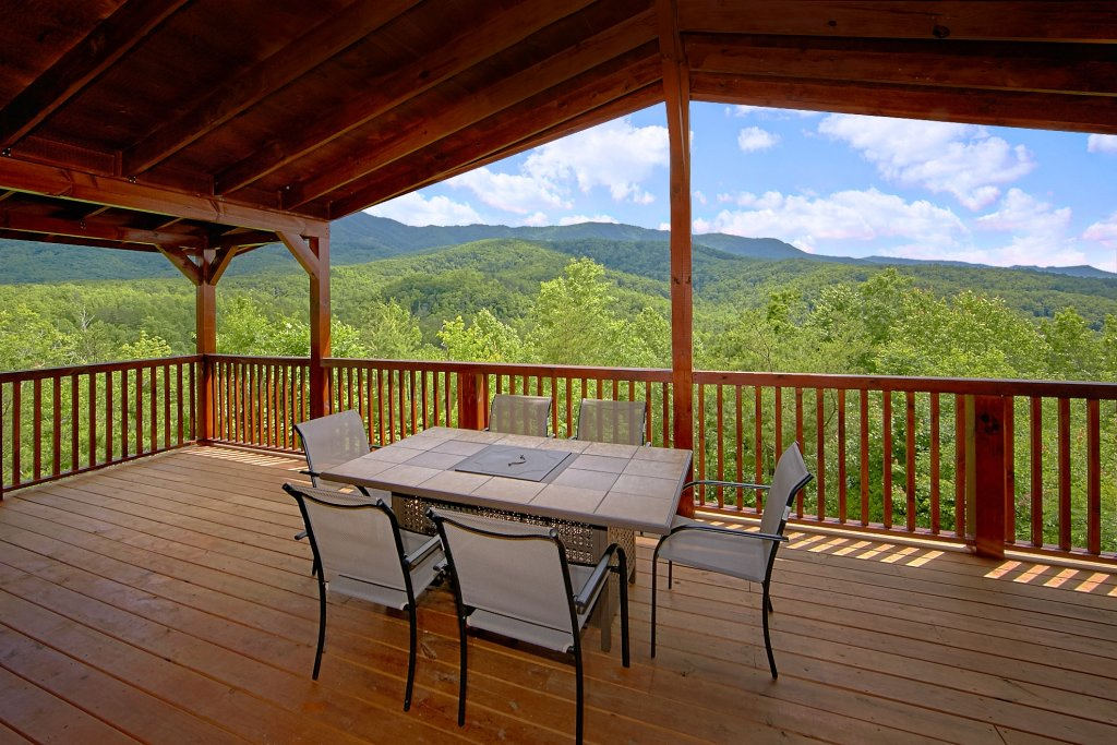 Photo of a Gatlinburg Cabin named Take My Breath Away - This is the seventh photo in the set.