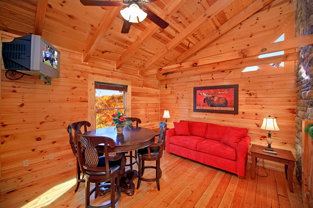 Photo of a Gatlinburg Cabin named Mountain Laurel - This is the ninth photo in the set.