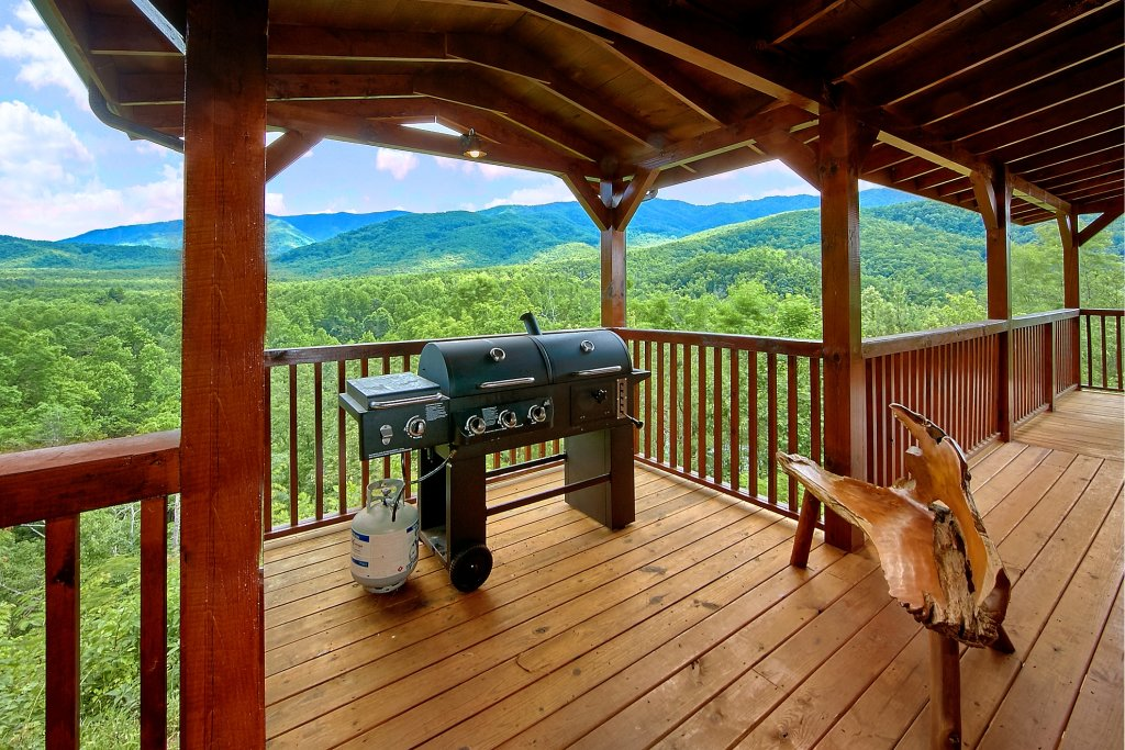 Photo of a Gatlinburg Cabin named Take My Breath Away - This is the fifth photo in the set.