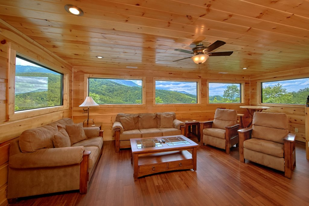Photo of a Gatlinburg Cabin named Take My Breath Away - This is the tenth photo in the set.