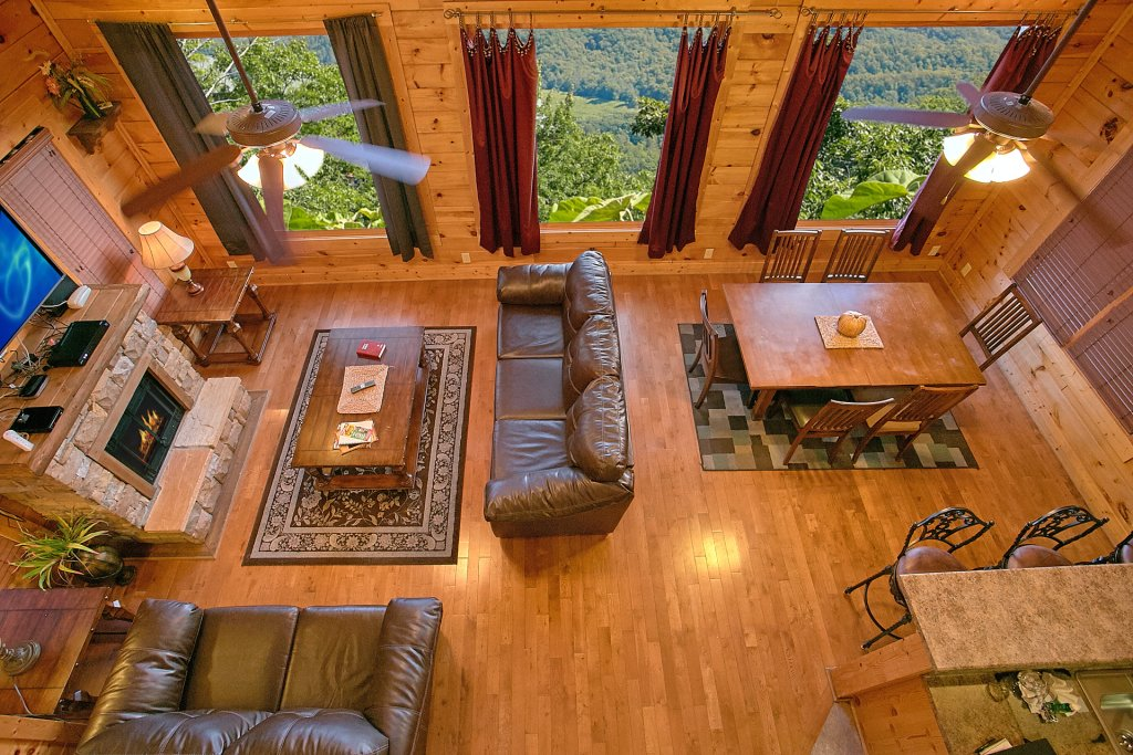 Photo of a Pigeon Forge Cabin named Incredible Views - This is the eighth photo in the set.