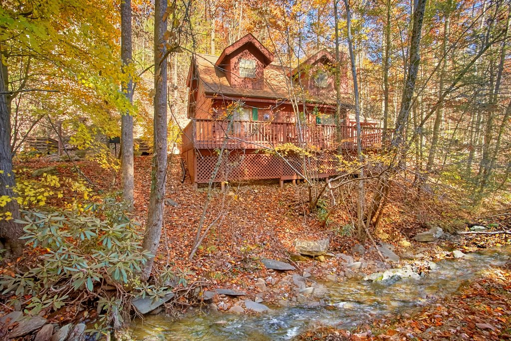 Photo of a Gatlinburg Cabin named Bear Creek - This is the first photo in the set.