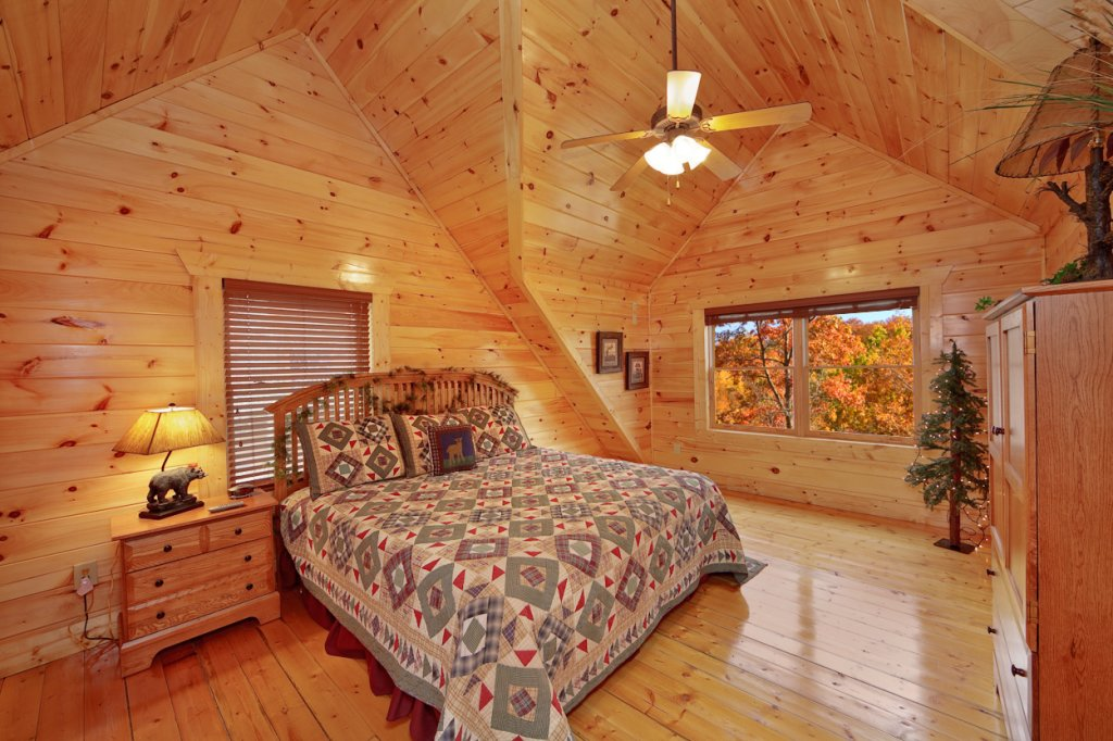 Photo of a Gatlinburg Cabin named Blackjack - This is the twelfth photo in the set.